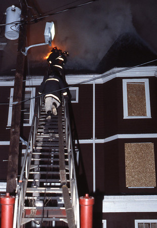 3/23/1979 - SOMERVILLE, MASS - 2ND ALARM ANTHONY'S INN 27 COLLEGE AV