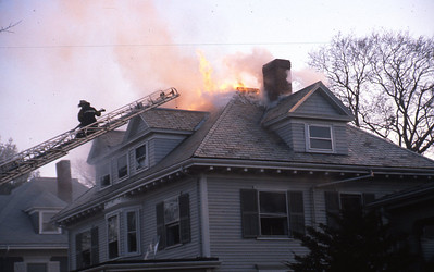 2/9/1981 - WINCHESTER, MASS - 3RD ALARM 30 OXFORD ST
