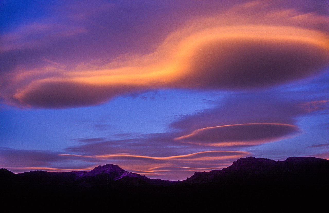 Lenticular clouds at sunset, Barioche