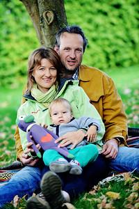 Par izpod Pohorja, ki je pustil urejeno kariero in se odpravil srečo iskat na sedemletno pot po svetu. Napisana tudi knjiga.