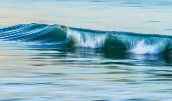 PACIFIC OCEAN IN MOTION 5
