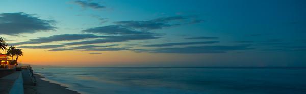 PACIFIC OCEAN IN MOTION 15