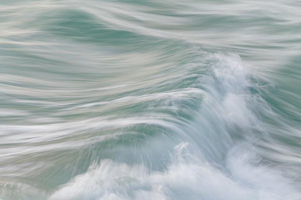 OCEAN IN MOTION    7