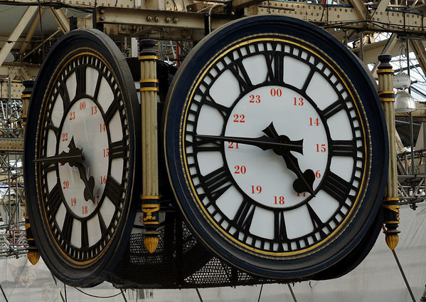 Meet Under Clock at Waterloo Station