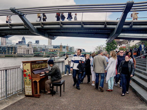 Bankside - Street Piano