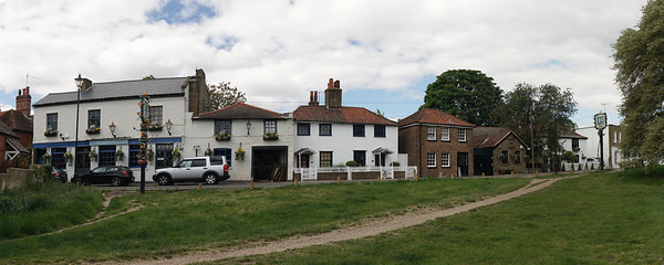 Crooked Billet and Hand in Hand Pubs Wimbledon Common