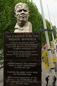 Southbank - Bust of Nelson Mandela by Ian Waters - Plaque Words - The Royal Festival Hall - London - 2018