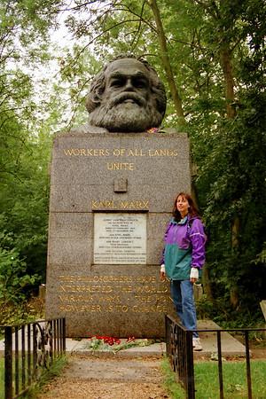 Highgate Cemetery - Karl Marx Tomb