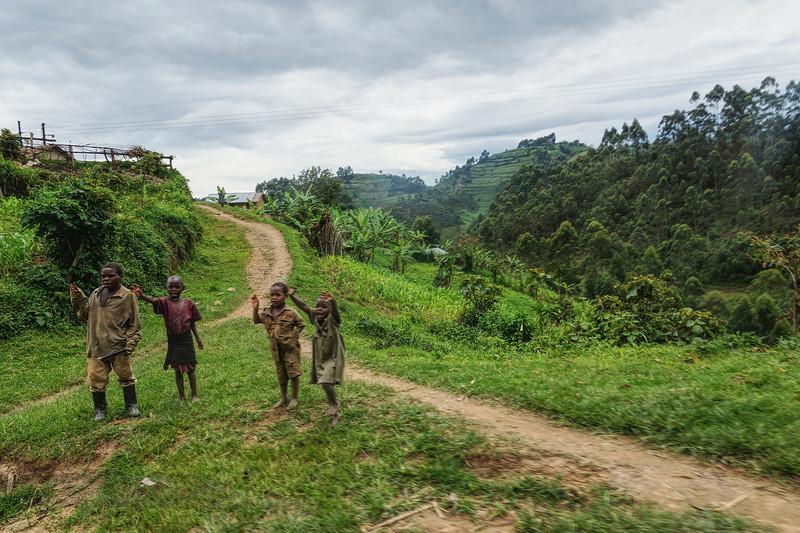 Children Waving - Uganda - v1
