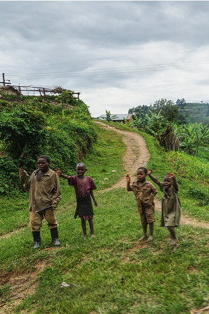Children Waving - Uganda - v2