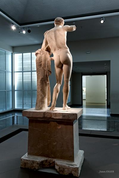 Hermès, du sculpteur Praxitèle.
