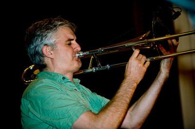 Joost Buis 2009  www.plutones.com