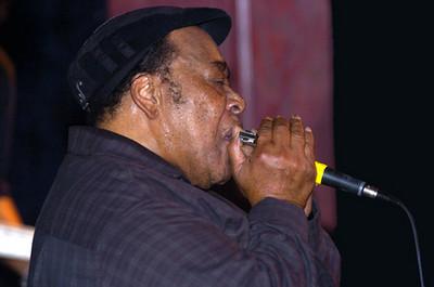 James Cotton 2005  www.jamescottonsuperharp.com