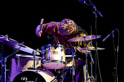 Hamid Drake 2009  www.drummerworld.com/drummers/Hamid_Drake.html