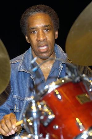 Al Foster 2006  www.alfosterjazz.com www.myspace.com/alfosterquartet www.drummerworld.com/drummers/Al_Foster.html