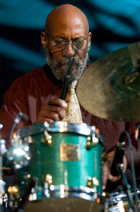 Eric Kamau Gravatt 2006  www.1619music.com www.drummerworld.com/drummers/Eric_Kamau_Gravatt.html