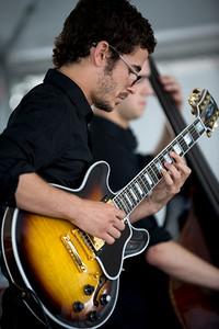 Roy Guzman  2009  www.myspace.com/royguzmangtr