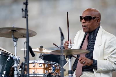 Roy Haynes  2009  www.myspace.com/royhaynes www.dreyfusrecords.com/discs_ns.php?a=21&l=0 www.drummerworld.com/drummers/Roy_Haynes.html
