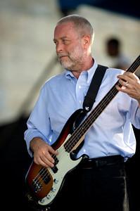 Dave Holland 2008  www.daveholland.com www.myspace.com/daveholland