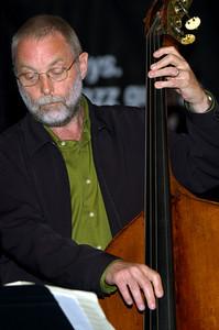 Dave Holland 2007  www.daveholland.com www.myspace.com/daveholland