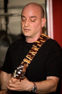 Levon Ichkhanian 2008  www.levonmusic.com