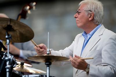 Randy Jones  2009  www.drummerworld.com/drummers/Randy_Jones.html