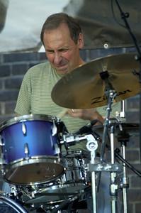 Joe La Barbera 2007   www.myspace.com/joelabarberamusic www.drummerworld.com/drummers/Joe_LaBarbera.html  http://en.wikipedia.org/wiki/Joe_LaBarbera