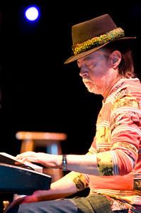 Chuck Mangione 2009  www.chuckmangione.com