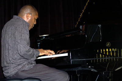 Osmany Paredes 2007  www.osmanyparedes.com www.myspace.com/osmanyparedes