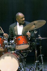 Alvin Queen 2005   http://www.alvinqueen.com  http://www.alvinqueendrummer.com/Alvin_Queen_Jazz_Drummer/Home.html www.drummerworld.com/drummers/Alvin_Queen.html www.myspace.com/alvinqueendrummer