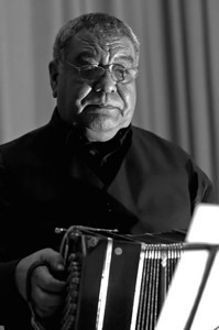 Dino Saluzzi  2007  www.saluzzimusic.com