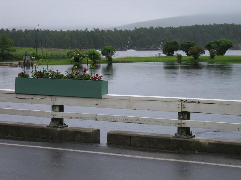 04 Bridge with Flowerbox