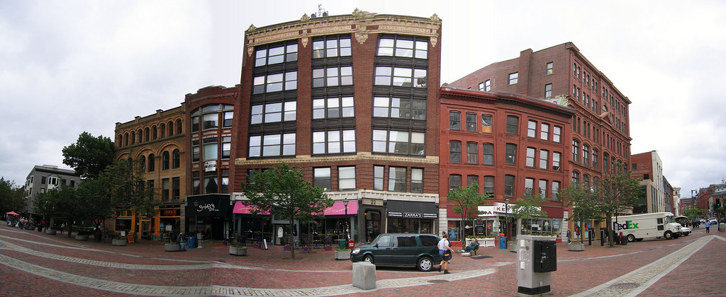 50 Monument Square Pan