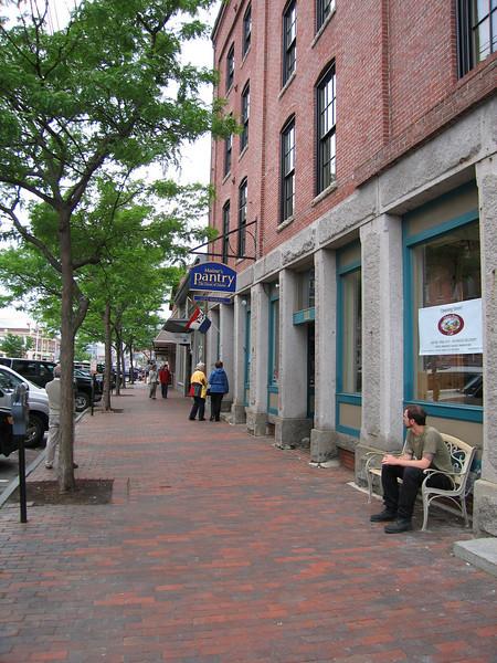 24 Upper Exchange Street