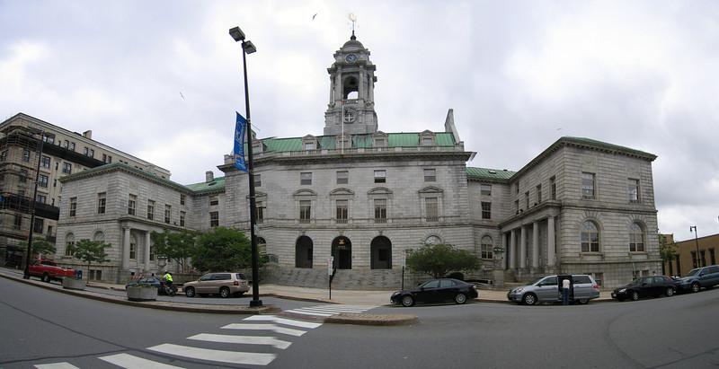 32 City Hall Pan