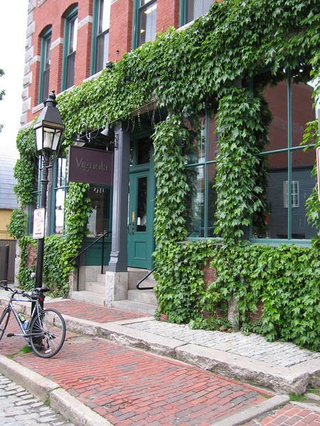 27 Dana Street Facade
