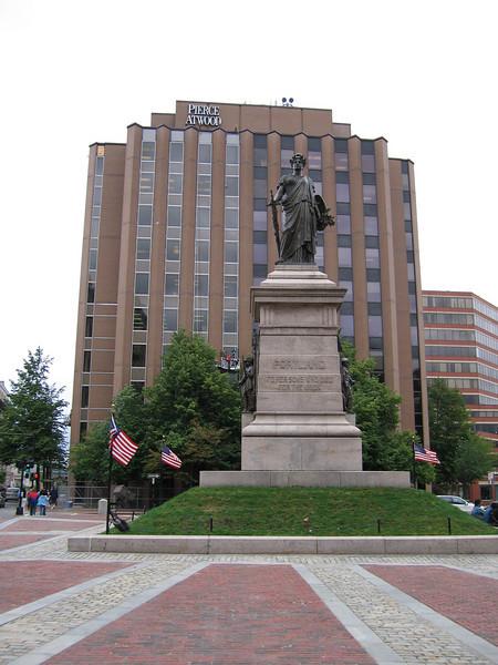 44 Monument Square