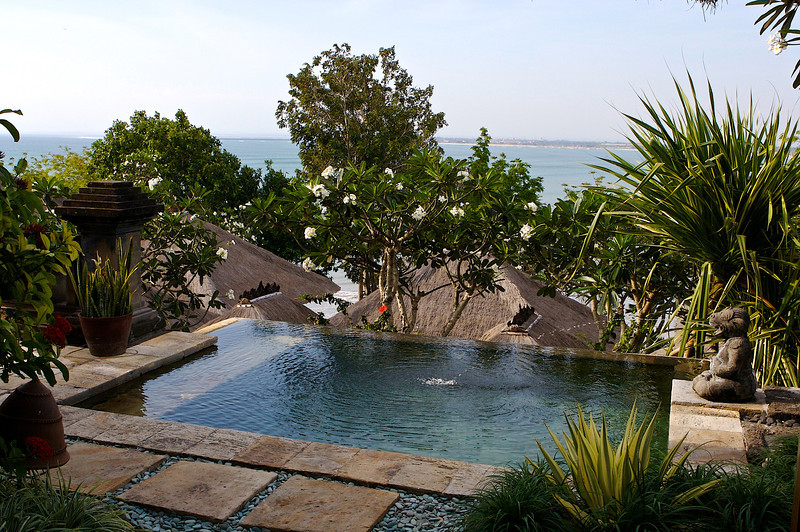 The plunge pool, along with your own fountain.