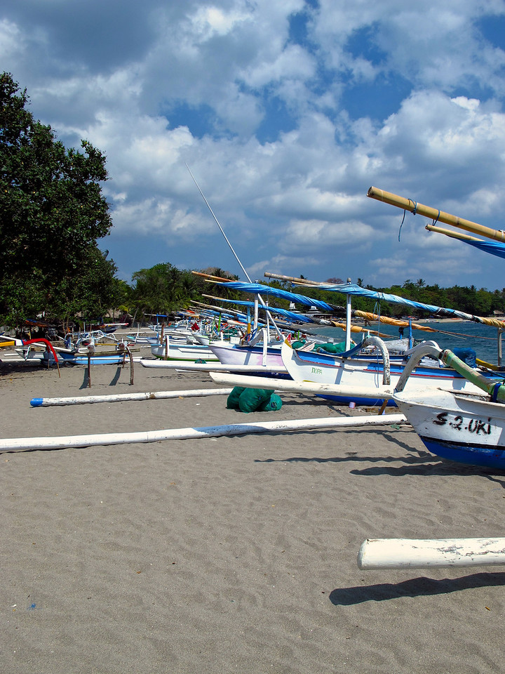 Fishing boats along the beach at Senggigi