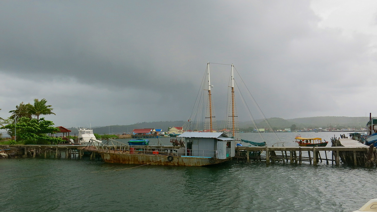 A couple of days prior to arrival in Sihanoukville, there was a large boat fire at the main dock.