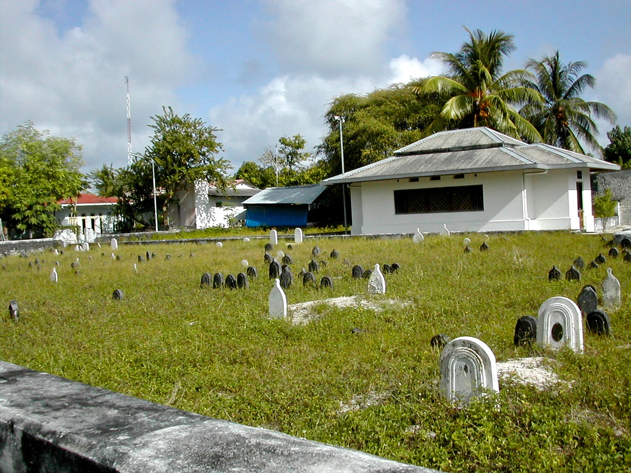 The local Himmafushi cemetery.