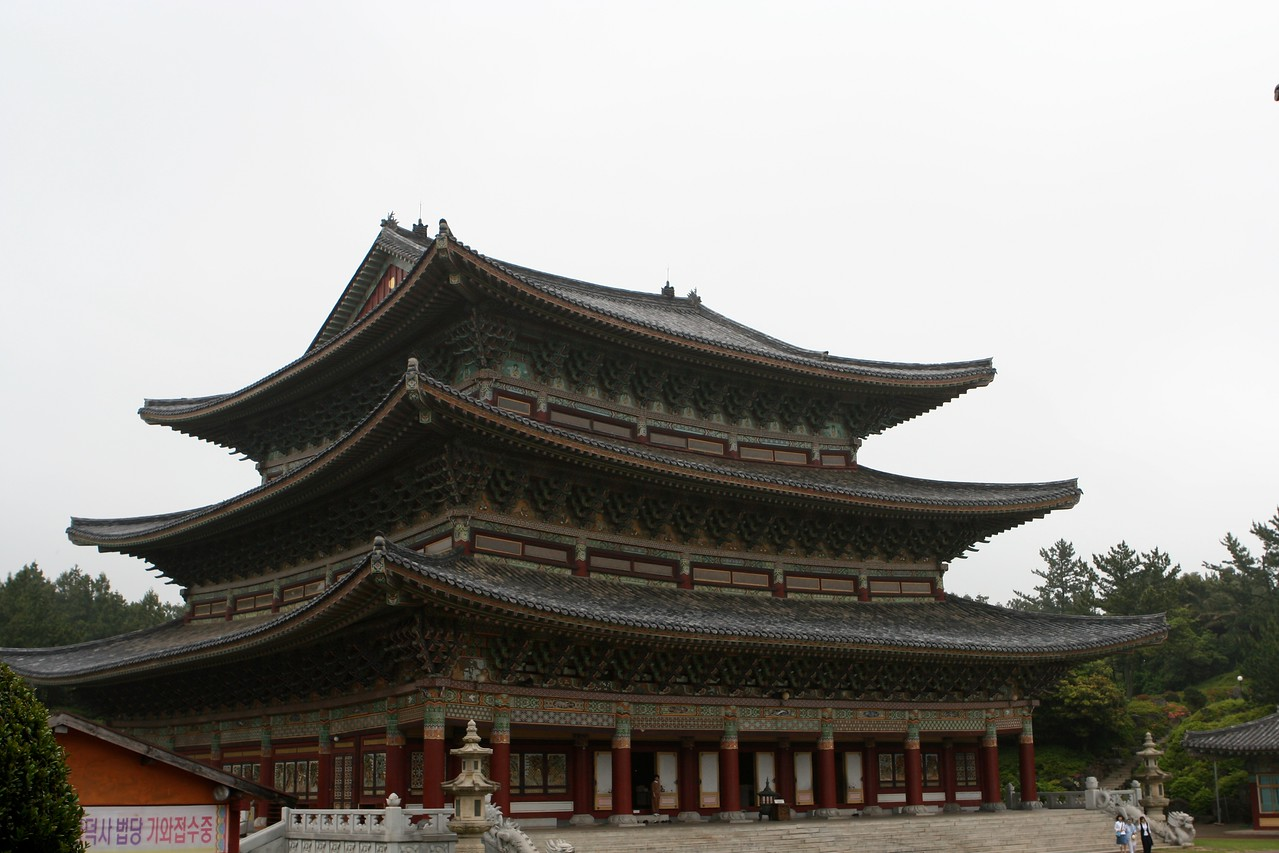 Although the superstructure of the building is concrete,  the wood carving that decorates the temple is phenomenal.