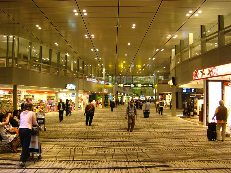 In 2008, Terminal 3 was completed and became the new home for Singapore Airlines international flights, A380 flights and all Star Alliance airlines.