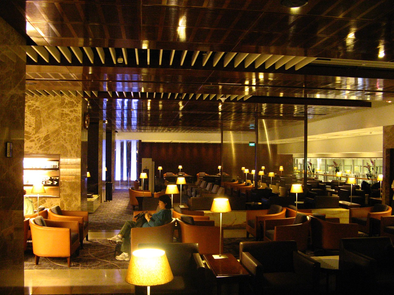 In Terminal 3, the Star Alliance Business and First Class lounges are well equipped and offer buffet breakfasts and meals throughout the day.