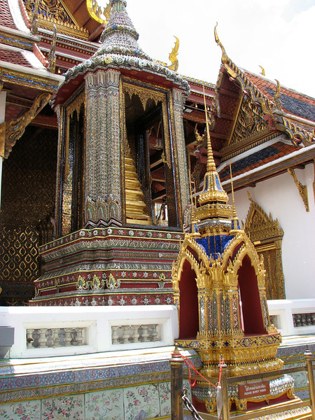 Near the entrance of Wat Phra Kaew
