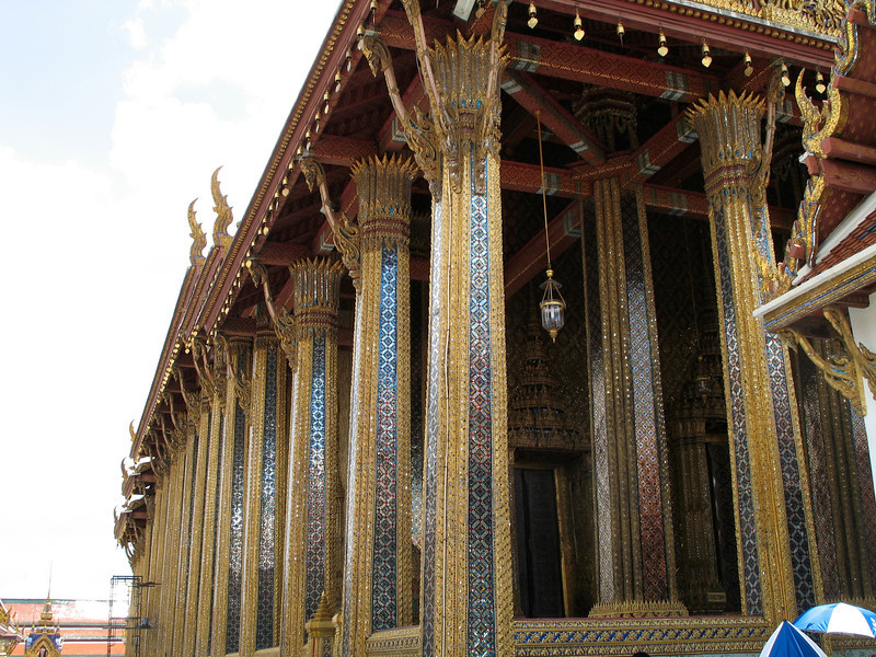 This is What Phra Keo which holds the statue of the Emerald Buddha.