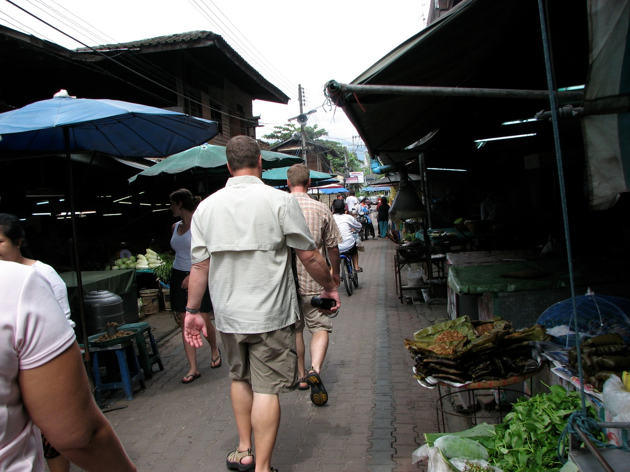 It's about 10AM when we arrive at the market and things are kind of slow.