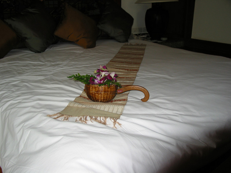 During the day, there are always fresh flowers on the bed...