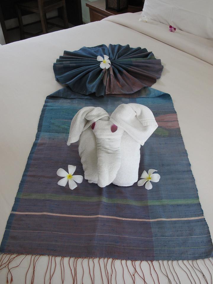 ..our towel elephant awaits our arrival...