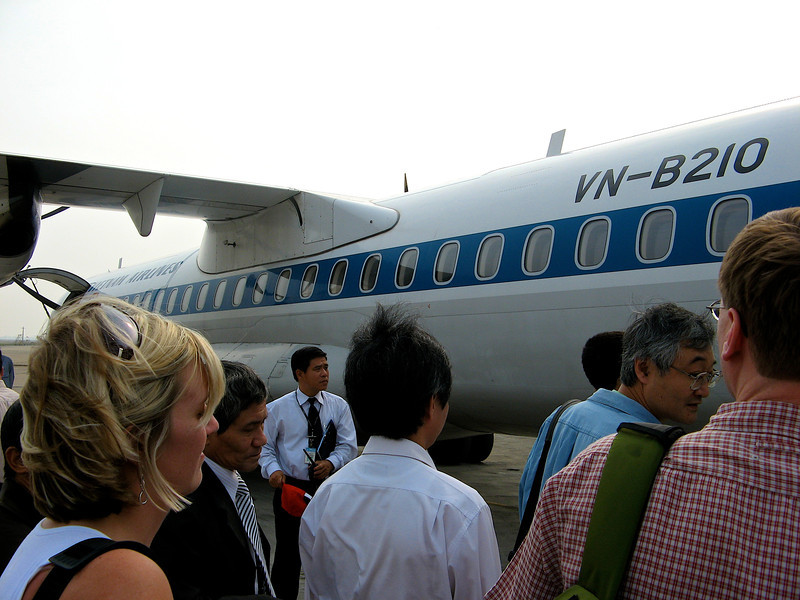 While they fly larger planes to major cities and international destinations, they also fly smaller planes to cities within Vietnam.